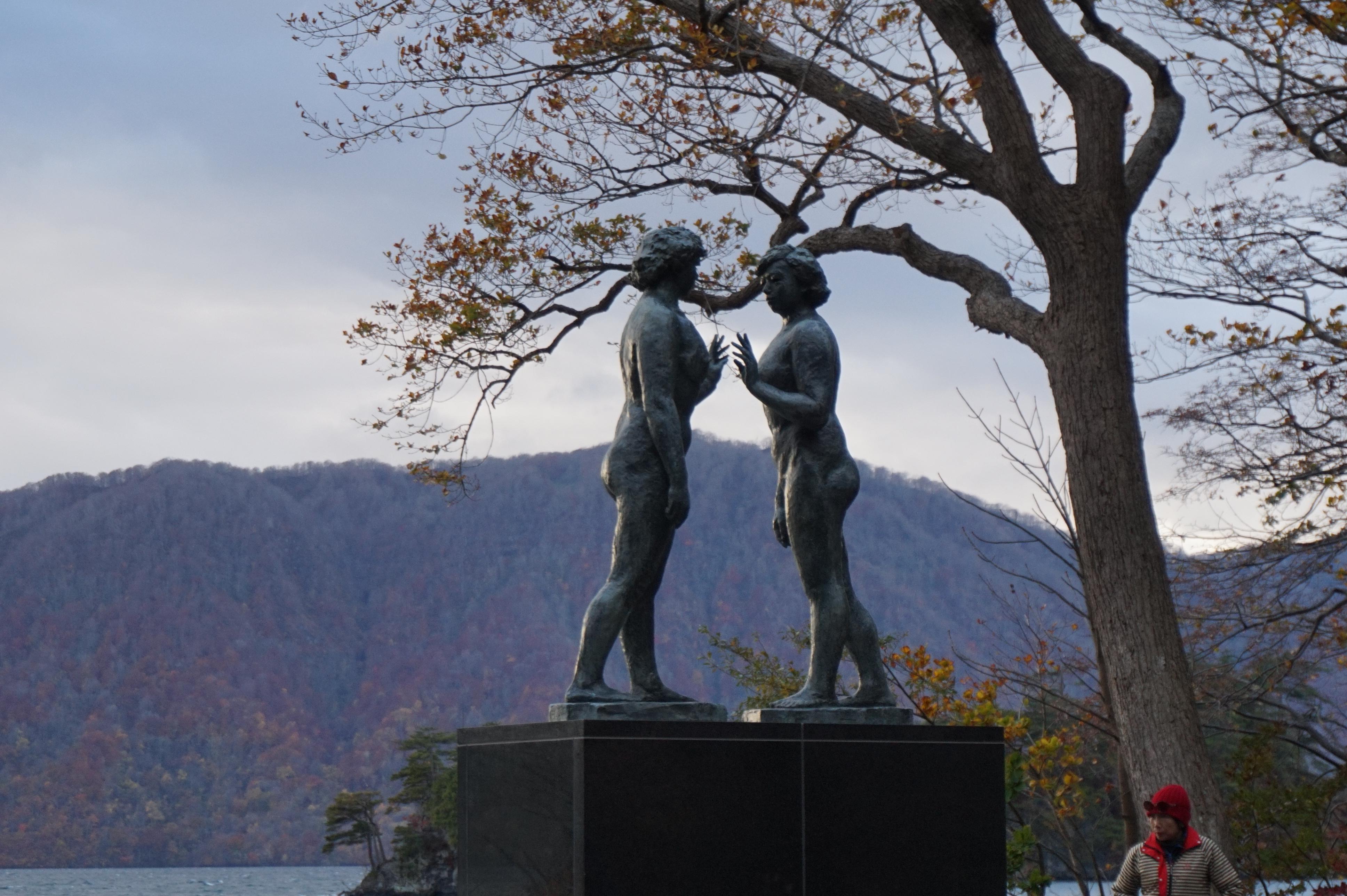 十和田神社の像