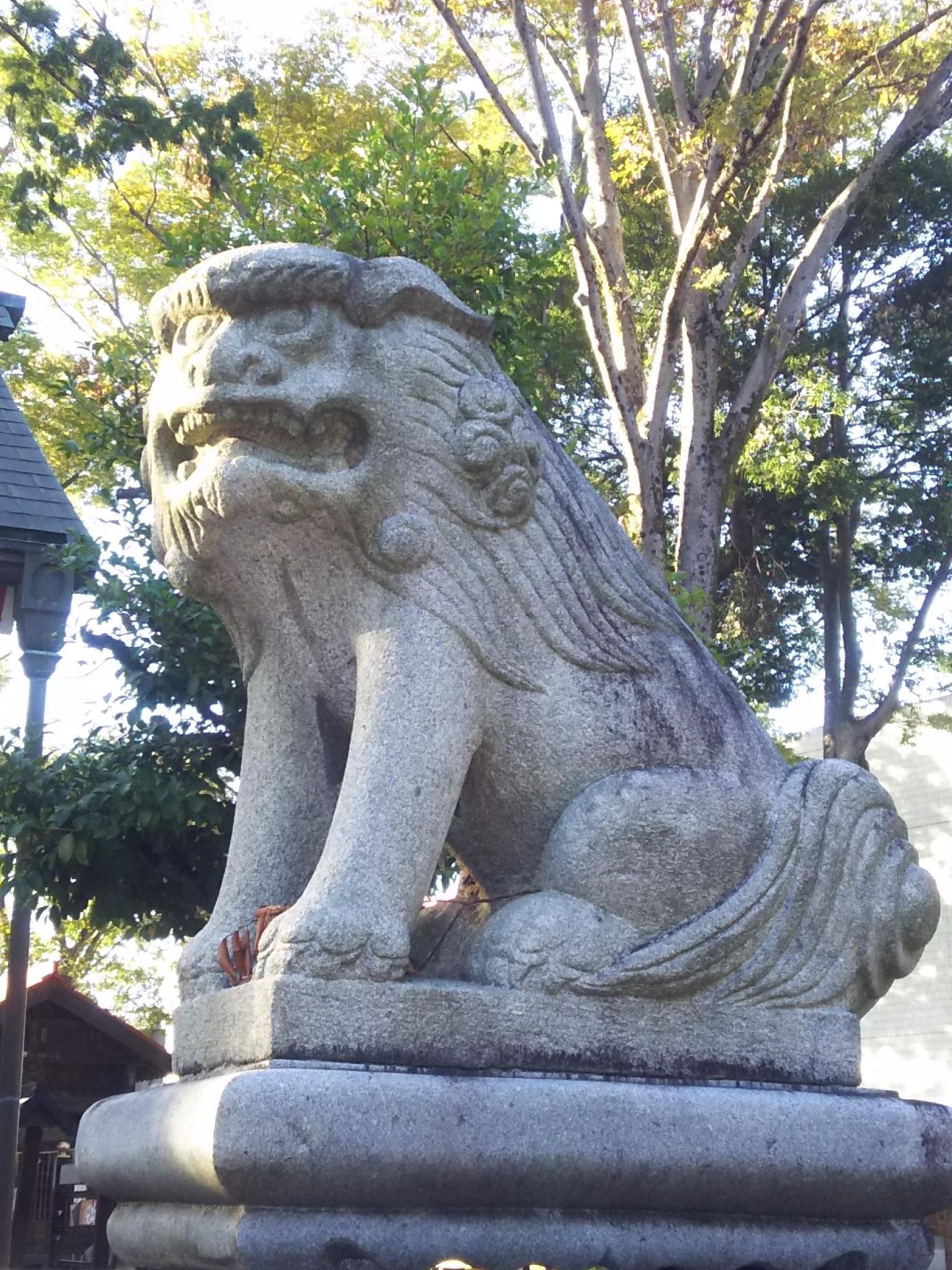 諏訪八幡神社の狛犬(埼玉県飯能駅)
