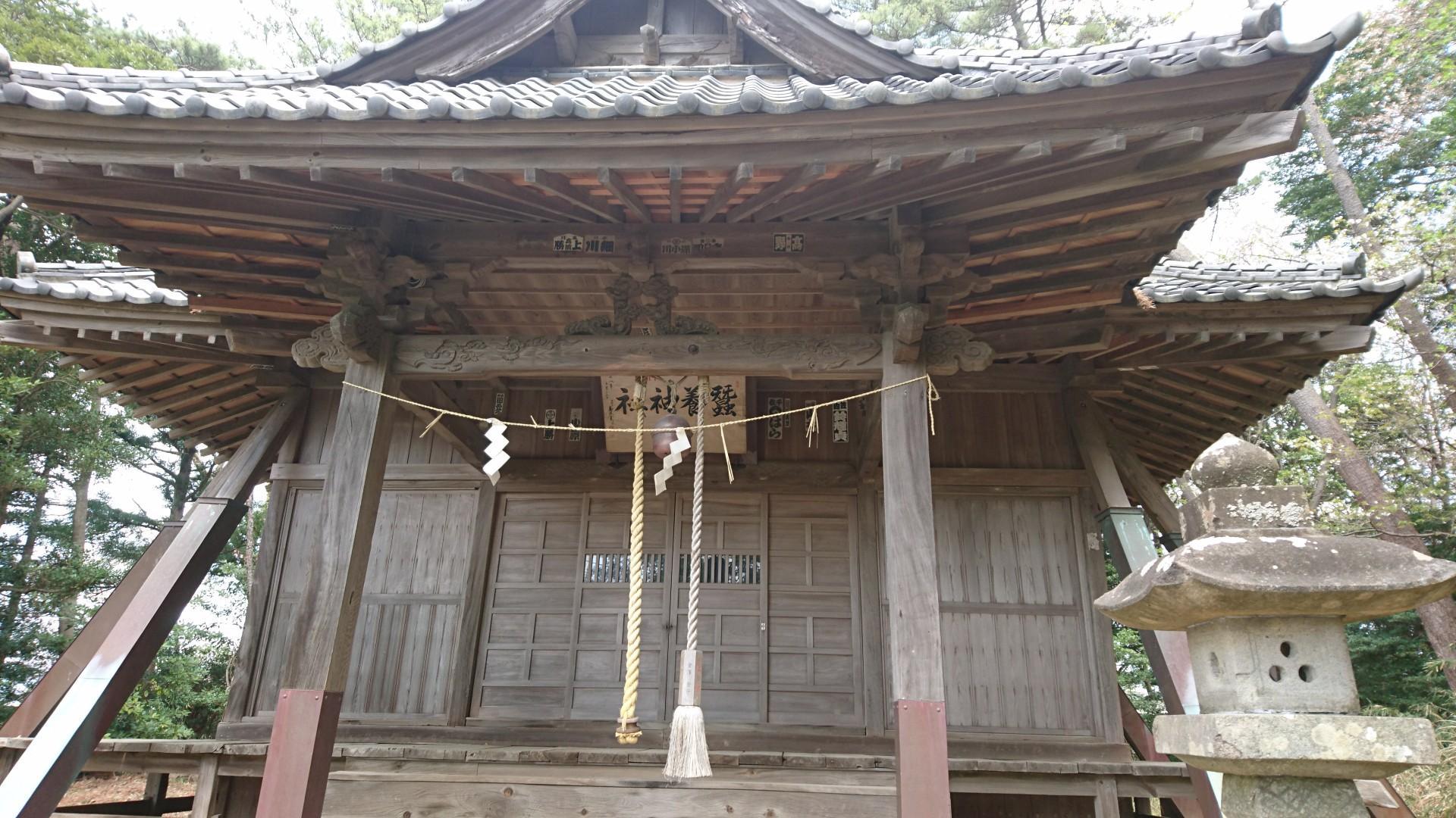 蠶養神社の境内・文化財