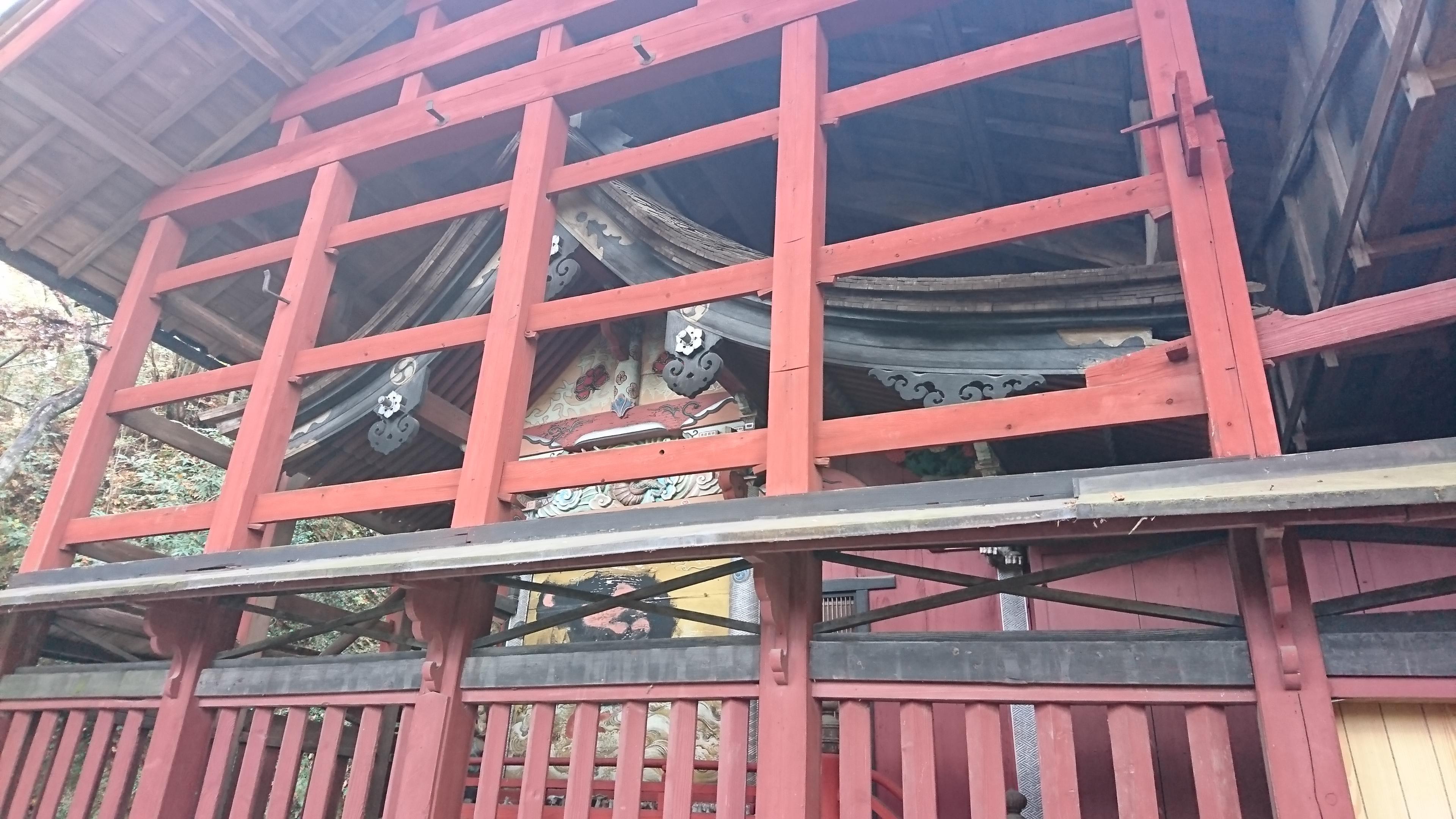 菅東山出世稲荷神社の本殿