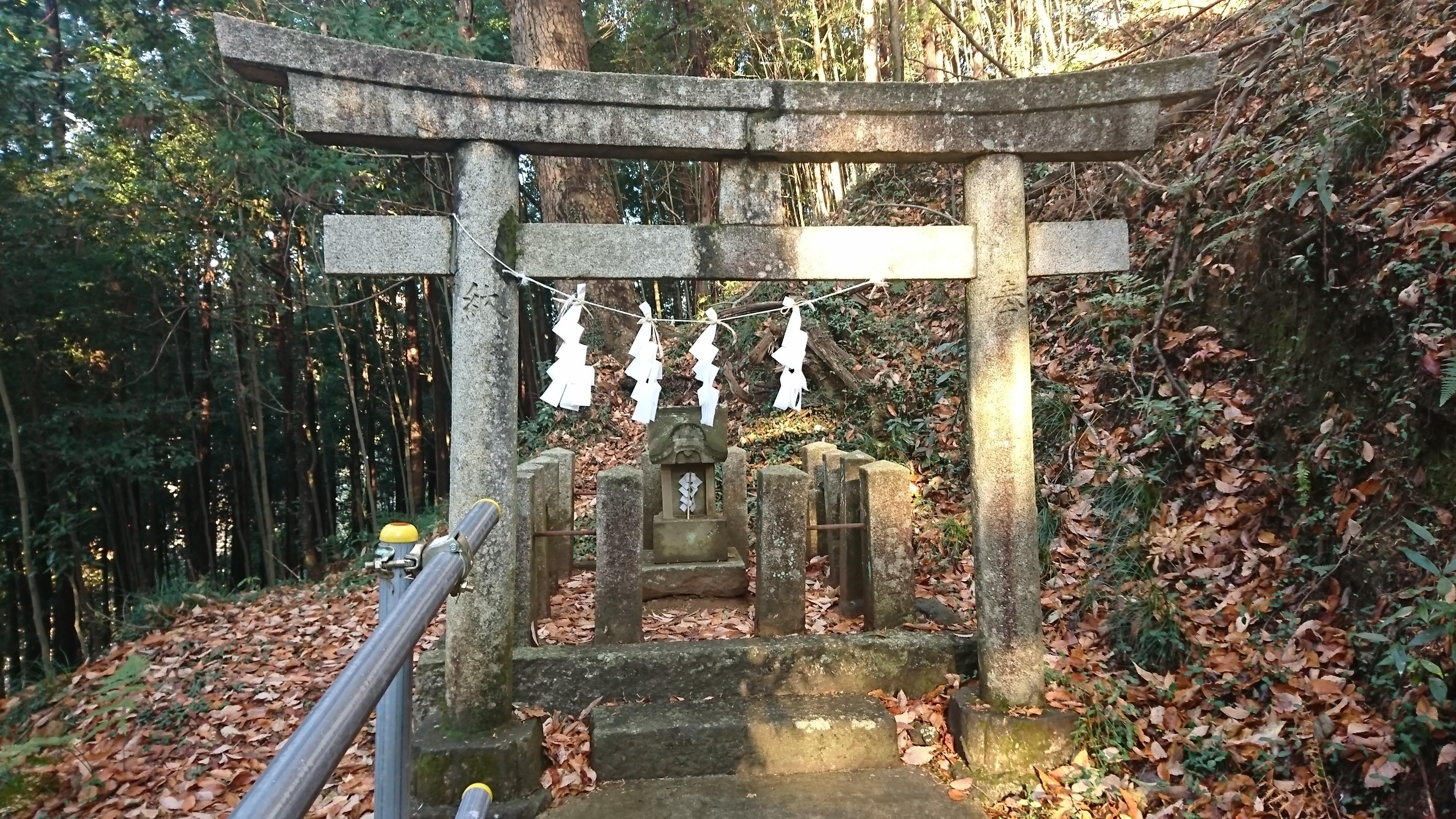 菅東山出世稲荷神社の末社