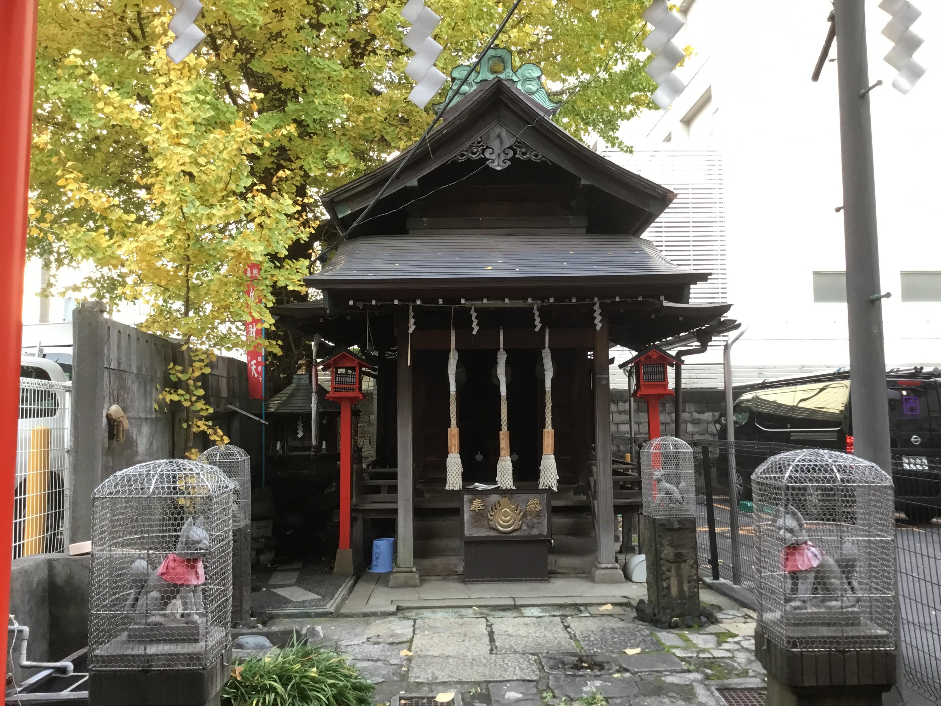 雷電稲荷神社の本殿
