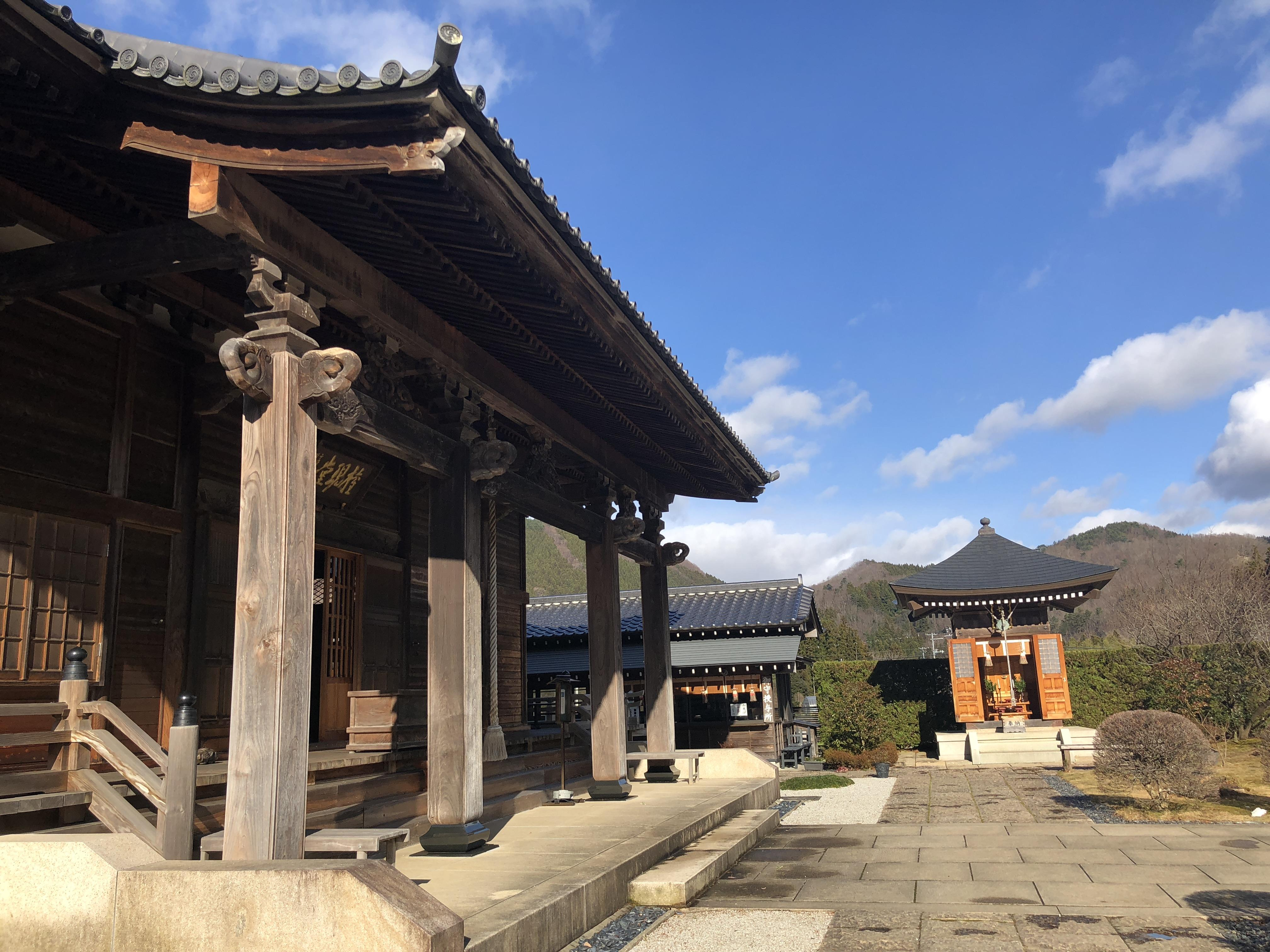 慈眼寺の境内・文化財