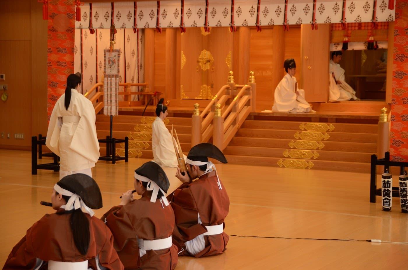 「あの神社で働きたい!」あなたでも神主さんになれる方法都道府県から神社お寺を探す