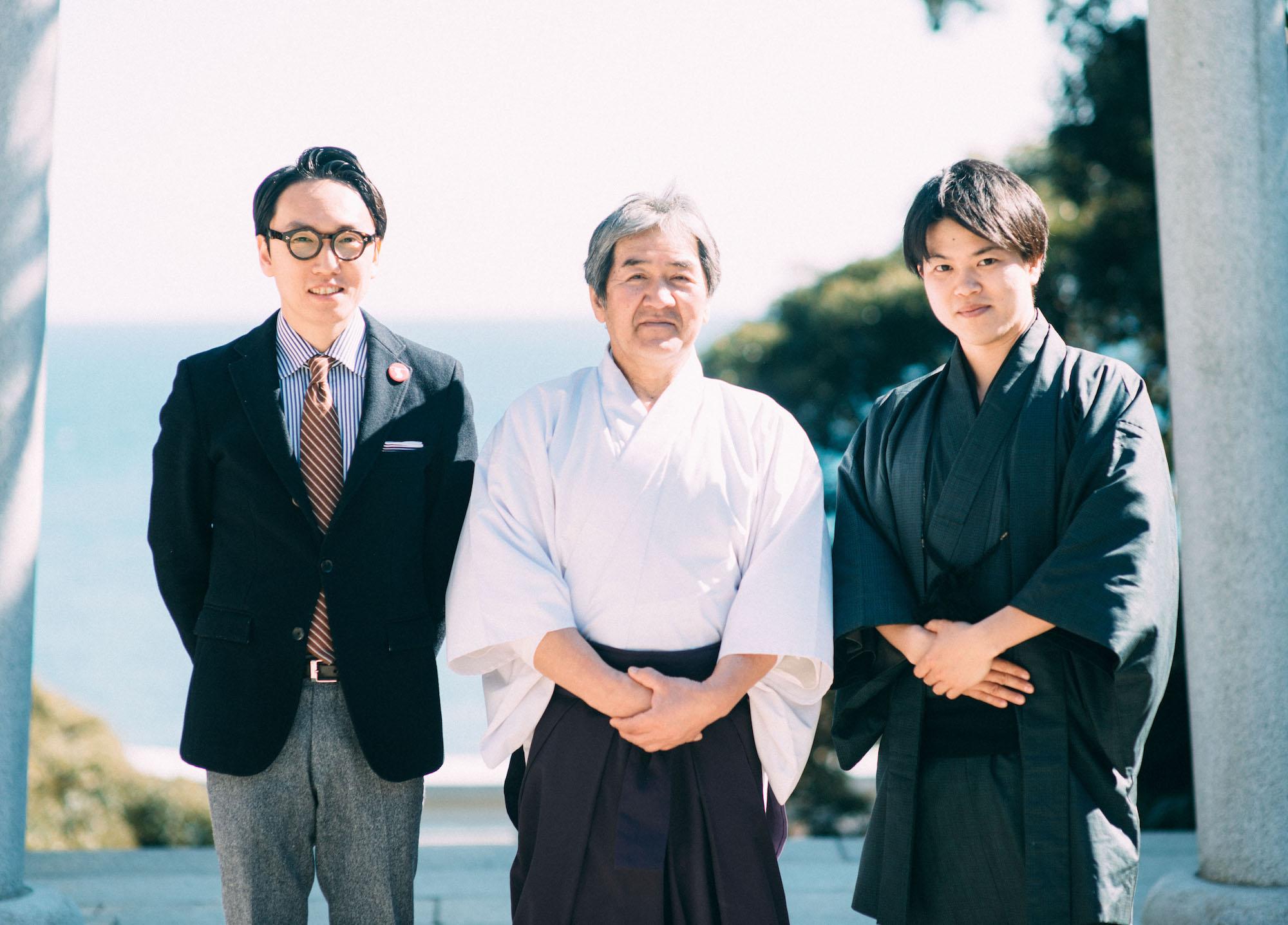 吉田権禰宜と中川さんと吉田亮