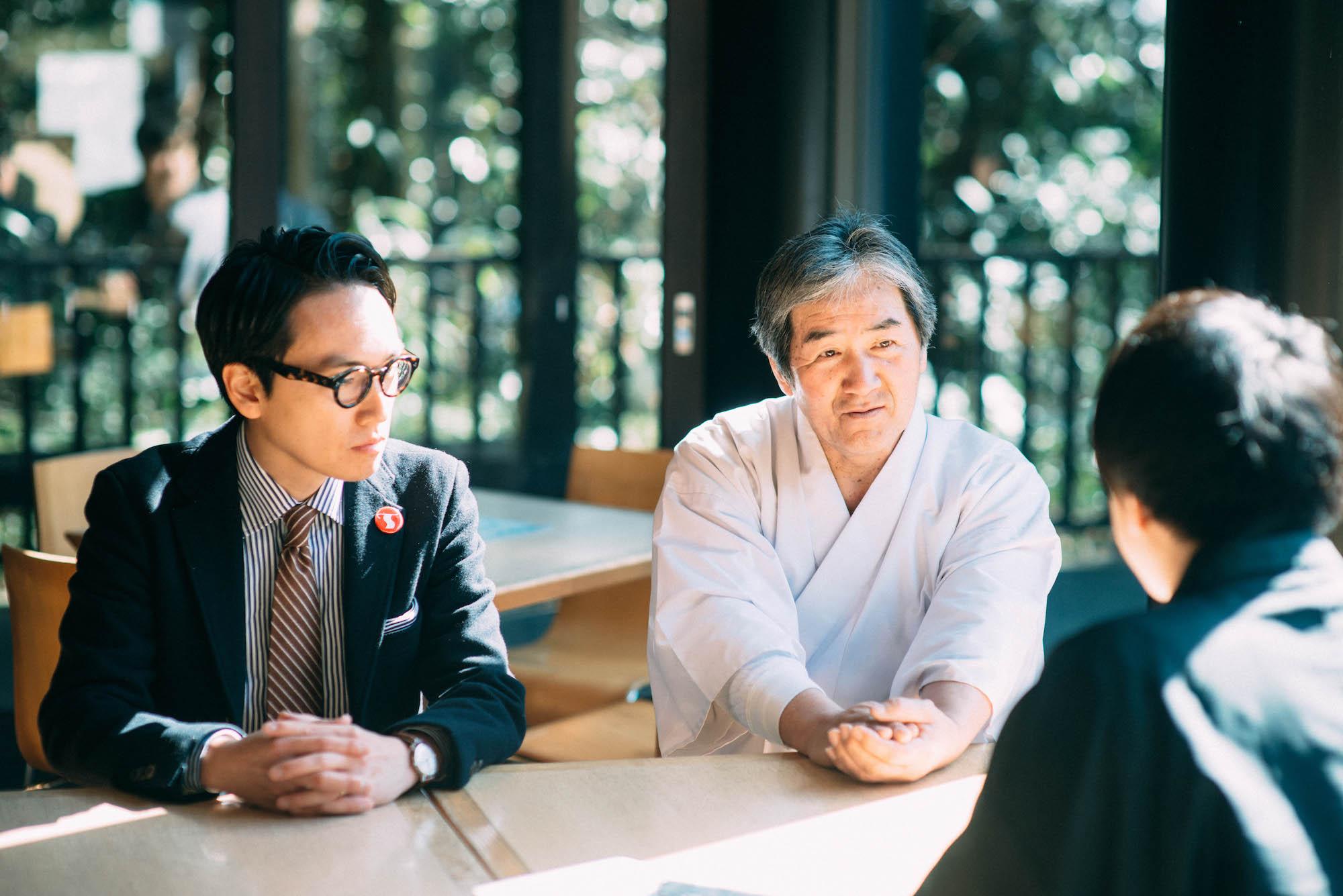 吉田権禰宜と中川さん