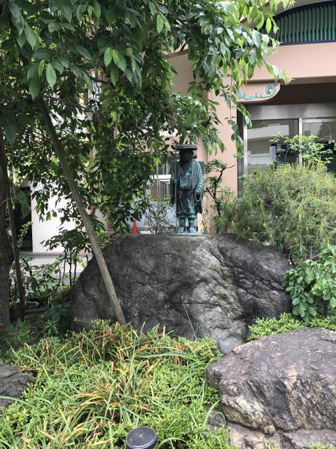 眞性寺の像