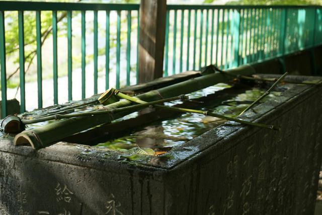 東京都阿蘇神社の手水