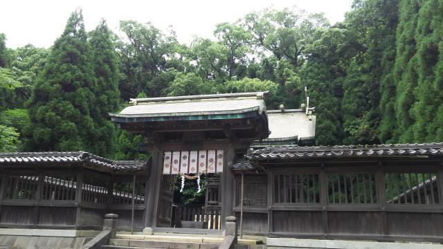 鹿児島県鶴嶺神社の山門