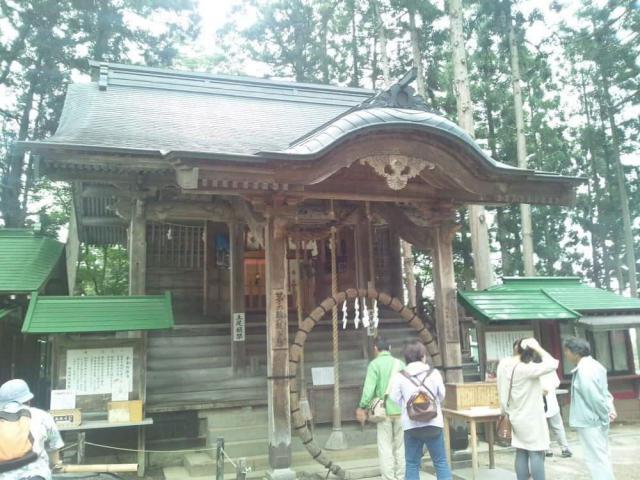 岩手県白山神社の本殿
