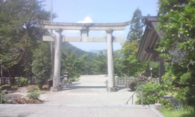 新潟県八海山尊神社の鳥居