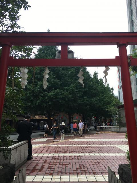 有楽稲荷神社(東京都有楽町駅) - 鳥居の写真