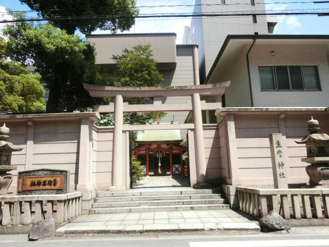 大阪府陶器神社(坐摩神社末社)の山門