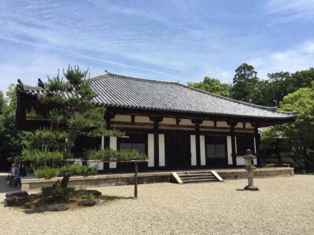 奈良県秋篠寺の本殿
