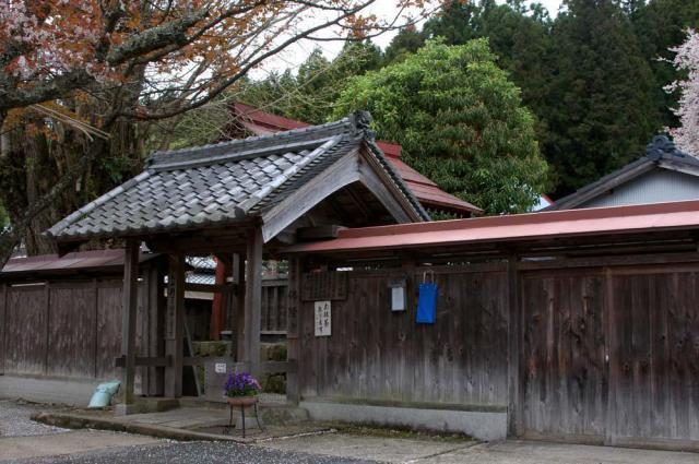 奈良県仏隆寺の山門