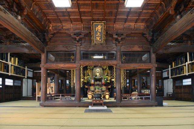 山口県瑞相寺の本殿