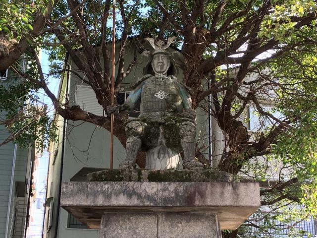 蓮城寺の像