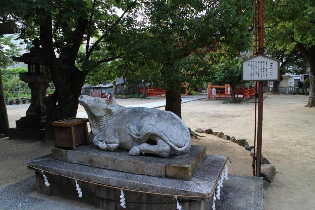 菅原神社の像