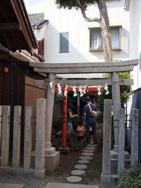 埼玉県薬師神社の鳥居
