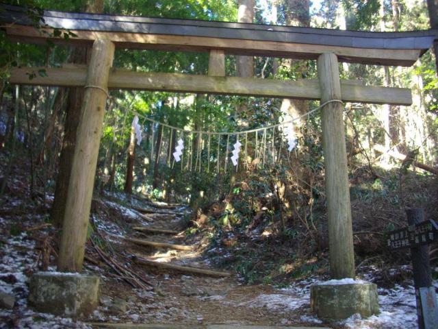 東京都八王子神社の鳥居