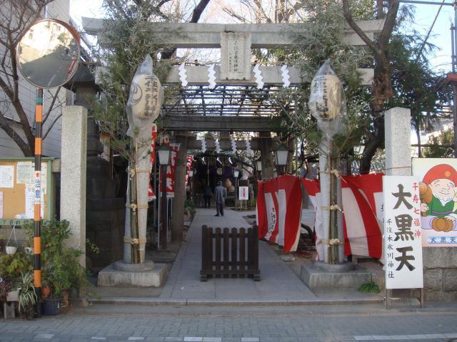 千住本氷川神社の鳥居