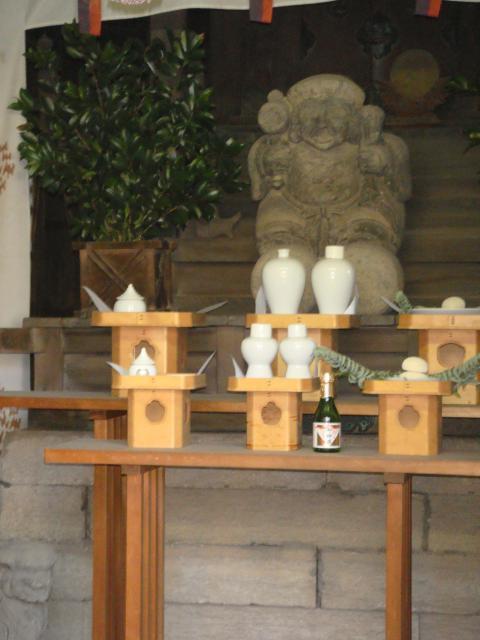千住本氷川神社の像