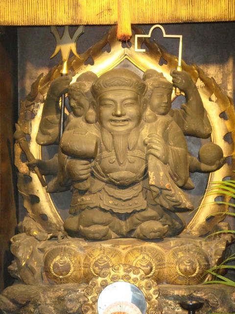 東京都英信寺の像