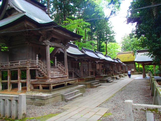 彌彦神社の末社