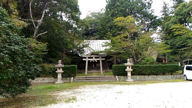 瑠璃光寺の近くの神社お寺|築山神社