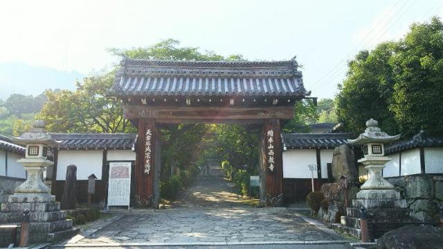 滋賀県西教寺の本殿