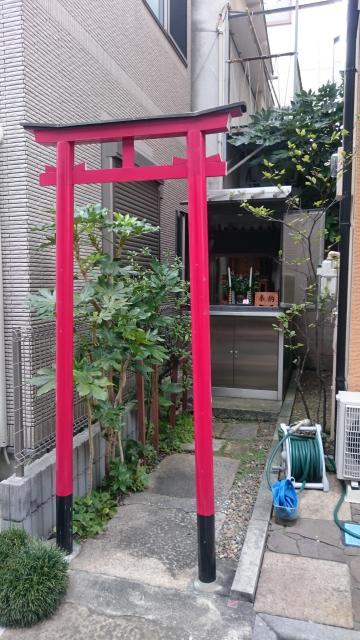 於三稲荷神社の近くの神社お寺|於芳神社