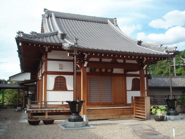 安福寺の本殿