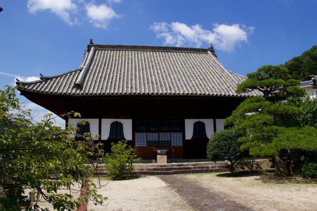 岡山県頼久寺の本殿
