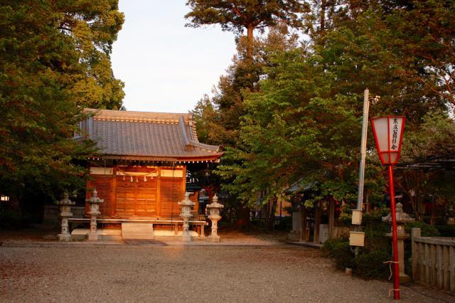 在士八幡神社の建物その他