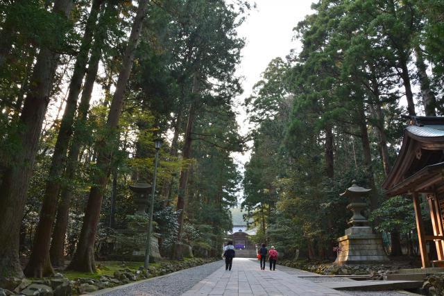 彌彦神社の建物その他