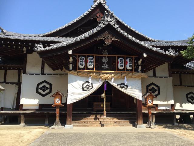 愛媛県湯神社の本殿