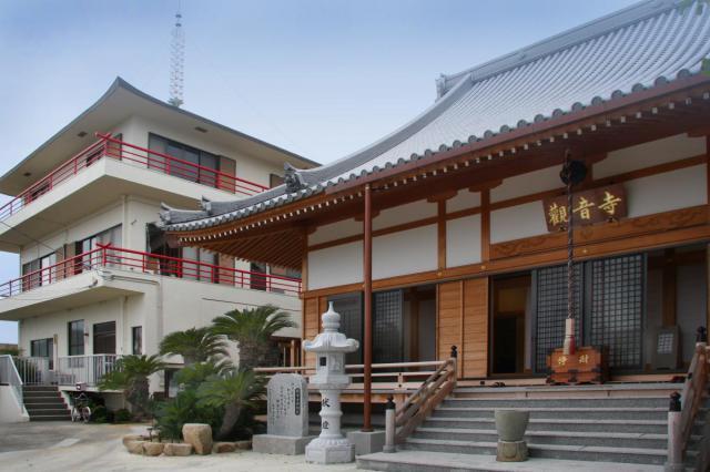 徳島県法話と天井絵の寺 觀音寺の本殿