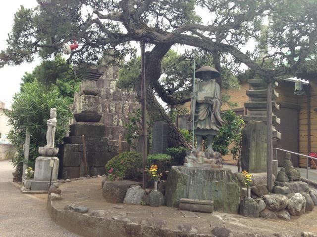 東漸寺の像