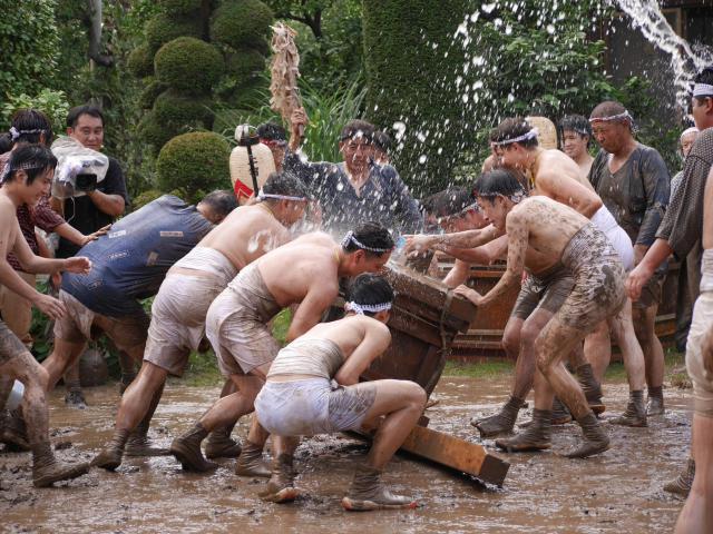埼玉県八枝神社のお祭り