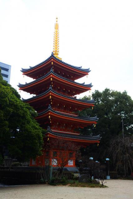 東長寺(福岡県祇園駅) - 塔の写真