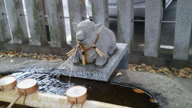 羊神社の手水
