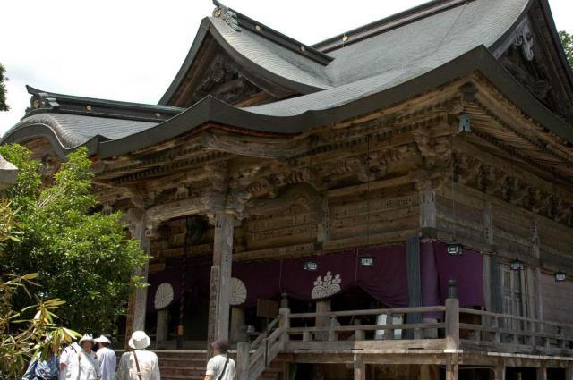 成相寺の本殿