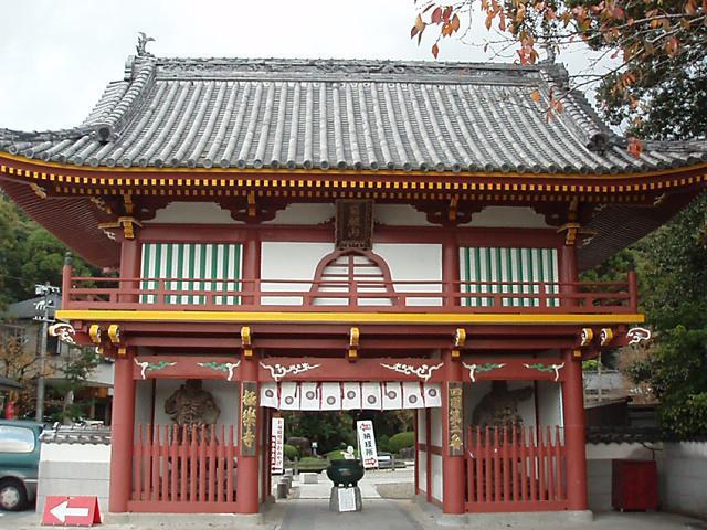徳島県極楽寺の本殿