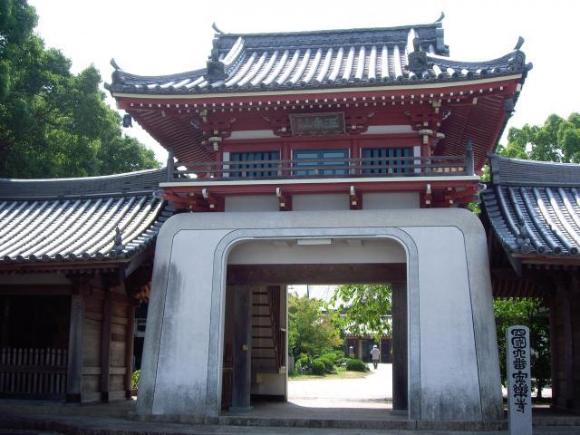 徳島県安楽寺の本殿