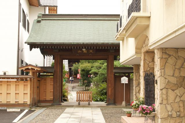 日輪寺の山門