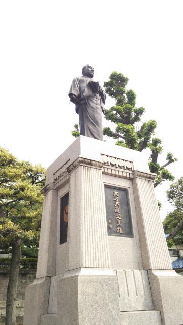 泉岳寺の像