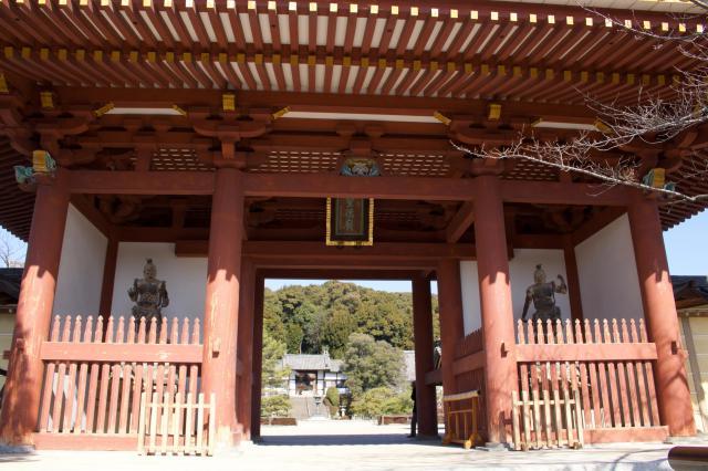 大阪府叡福寺の山門