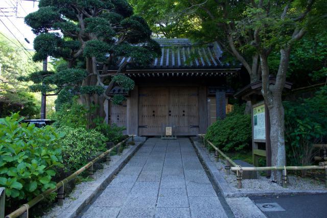 神奈川県報国寺の山門