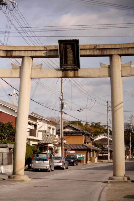 魚吹八幡神社の鳥居