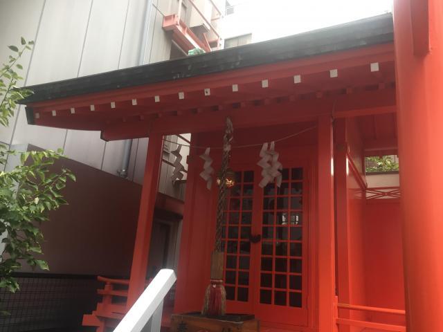 東京都新富稲荷神社の本殿